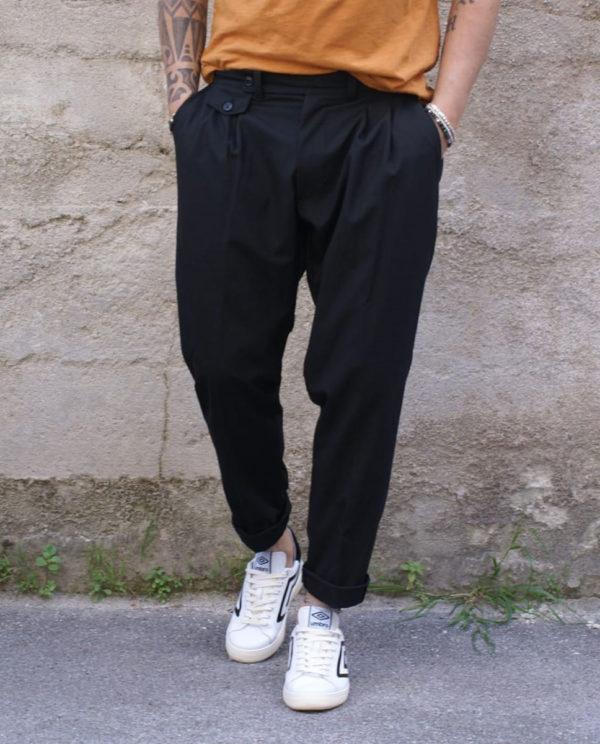 Pantalone sartoriale nero pinces e taschino