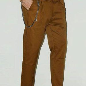 Pantalone slim tabacco con catena