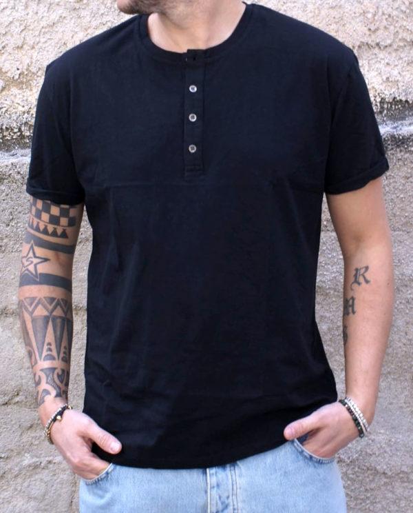 Tshirt serafino nera