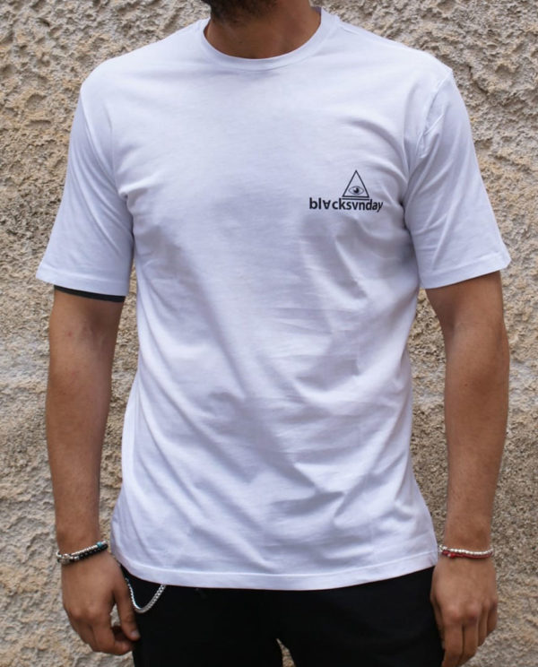 T shirt bianca stampa con scritta fronte