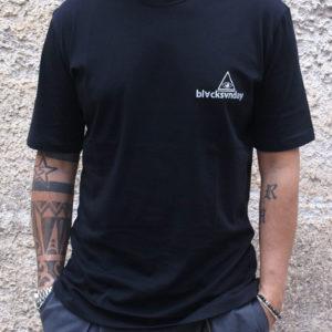 T-shirt nera con stampa fronte e retro