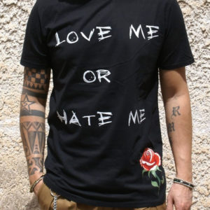 Tshirt Rebirth nera love me or hate me