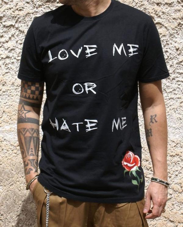 Tshirt nera Rebirth love hate