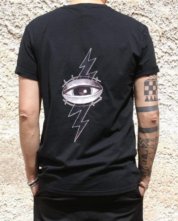 Tshirt nera Rebirth stampa occhio retro