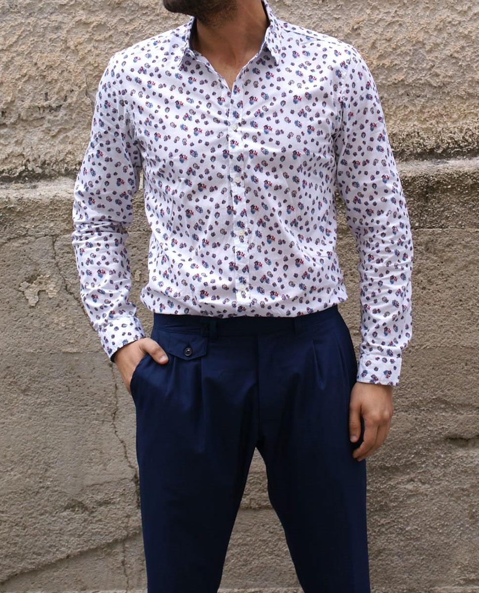 camicia fantasia pantalone blu
