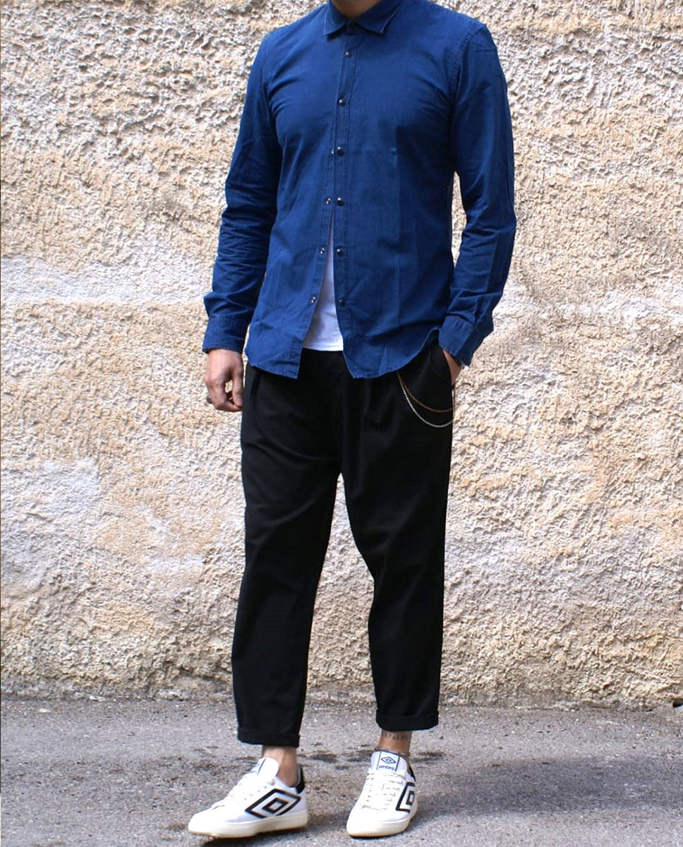 outfit camicia blu