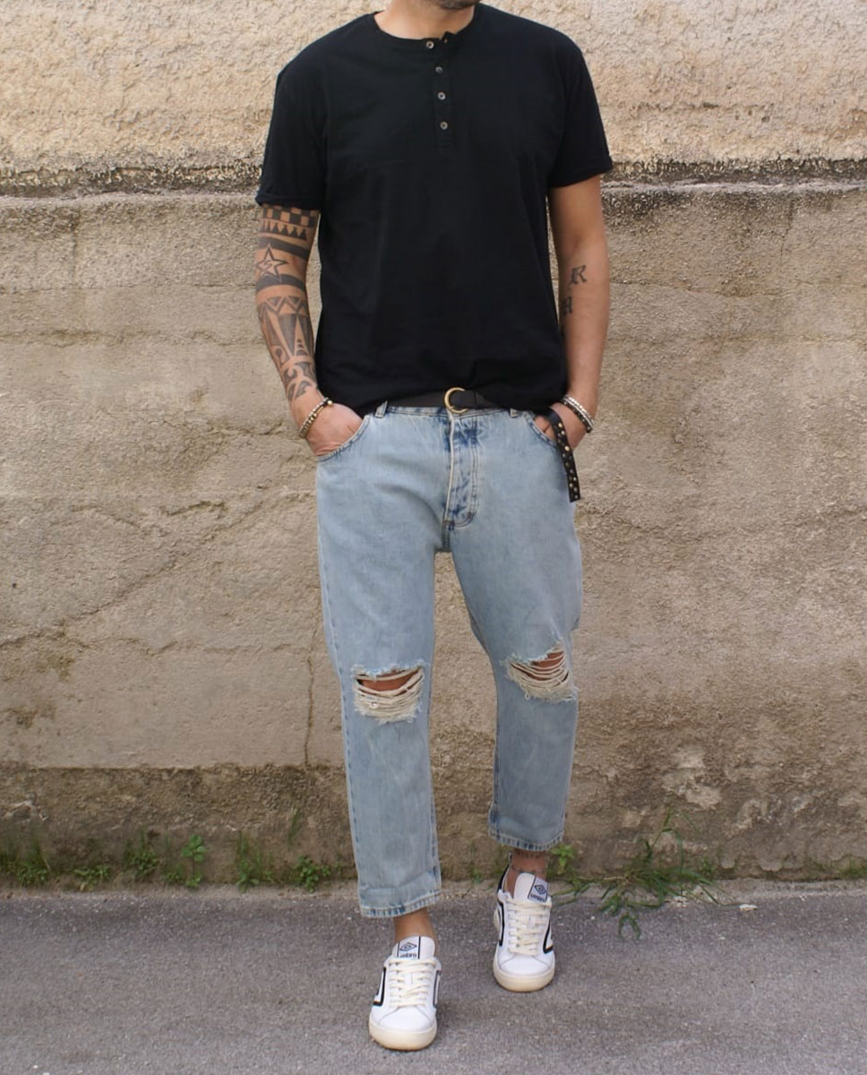 outfit jeans strappo