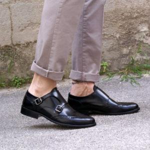 Scarpe pelle nere con fibbie
